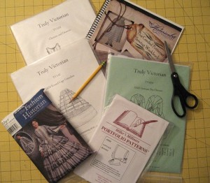 Dickens' Costume Sewing Patterns | HistoricalSewing.com