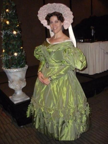 Jen in 1830 Green Gown